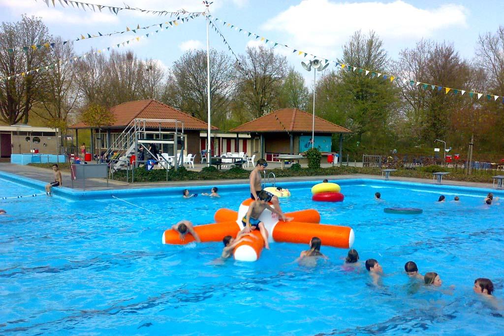 Burg. Kruijffbad - Steenderen - zwembad steenderen 4